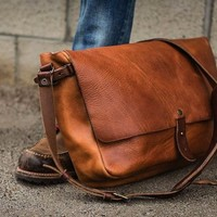 Vintage Messenger Bag - $280 | The Gadget Flow