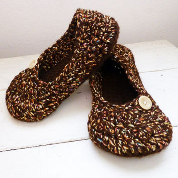 Womens crochet slippers, crochet house shoes, ready to ship, womens size medium, brown slippers, winter weather, hand crochet, cute slippers