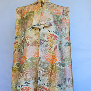 Vintage 1940's Japanese Golden  Silk Lamé Obi Brocade Fabric Cape/Evening Cape