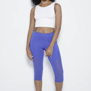 Jonia in Blue Capris
