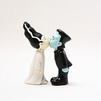 3.5 inches Frankenstein and Bride Kissing Magnetic Salt and Pepper Shaker Couple Kitchen Set