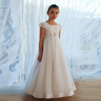 2017 Flower Girl Dresses Cap Sleeves Lace Bow Pageant Dresses Girls Glitz A Line First Communion Dresses Kids Evening Gowns