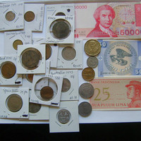 Lot Vintage 20 World Coin Nice Collection Lots in Various Grades Dates and Years Rrom The 1800s to 1994 Plus 3 Foreign Banknotes Paper Money