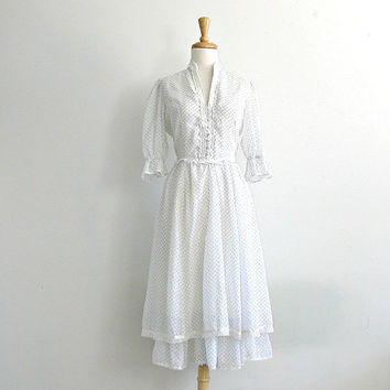 1970s Gunne Sax Dress / white summer dress / tiered dress / prairie dress / country wedding dress / small medium