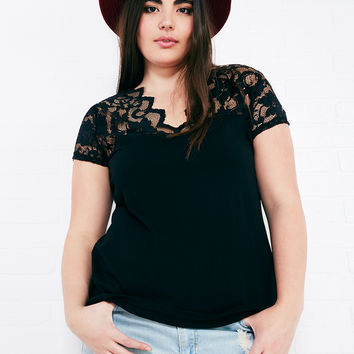 Lace-Trim Tee With Scalloped Neckline | Wet Seal Plus