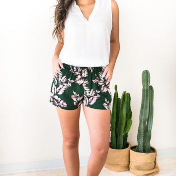 Perfect Places Tropical Print Shorts - Green