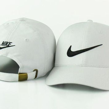 Stylish Nike Hook Cotton Baseball Cap Hats White