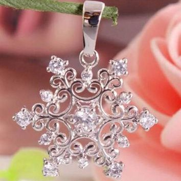 2016 Fashion Jewelry silver snowflake pendant without necklace  beautiful Christmas gift cheap hot classic charm style