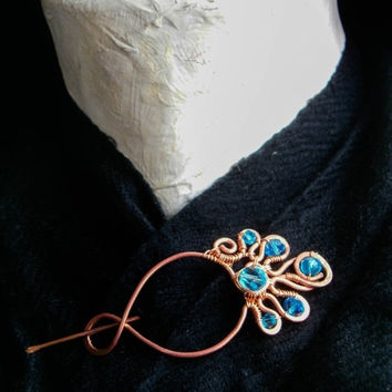 Copper cloak pin with blue crystals, celtic brooch, penannular brooch,elven brooch, medieval, rennaissance, fibula ,hair pin.
