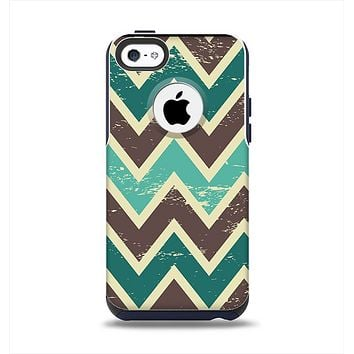 The Vintage Green & Tan Chevron Pattern V3 Apple iPhone 5c Otterbox Commuter Case Skin Set