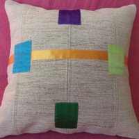 "THROW PİLLOW. Modern Bohemian Kilim Pillow,18""x18"" inch,Kid Room Decor Pillow,Handwoven White Kilim Patcwork Pillow Textile & Kilim Pillow"