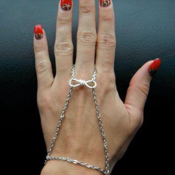 Bow chain slave bracelet by MermaidGlitterDesign on Etsy
