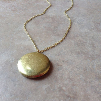 Big gold locket necklace, locket jewelry, modern necklace, gold locket necklace, gold dainty necklace, best friends necklace, delicate