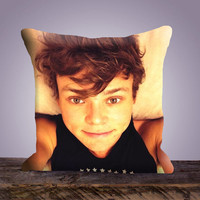 Ashton Irwin 5 Seconds of Summer - Prints is in Front of The Pillow case - Square or Rectangle Pillow Case