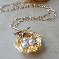 Gold Bird Nest Necklace, Mom to Be Necklace, White Pearl and Gold Necklace, Mother's Day Gifts, Mother's Day Necklace, Hummingbird Charm