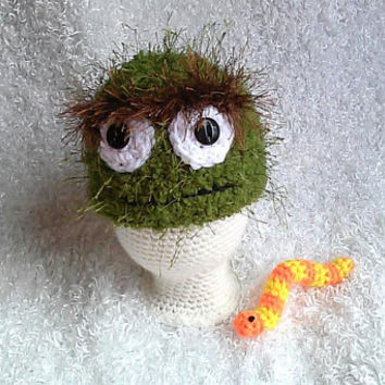 Crochet oscar the grouch inspired hat and slimy worm newborn photo prop, free shipping, baby shower gift, newborn crochet hat
