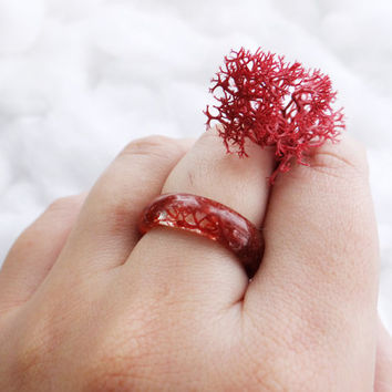 Wine red moss ring necklace Nature ring Resin ring Unique engagement ring Resin flower ring Nature inspired engagement rings Secret garden