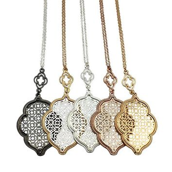 2017 Two Tone Gold Filigree Necklace Trellis Motif Statement Long Cutout Clover Pendant Necklace for Women