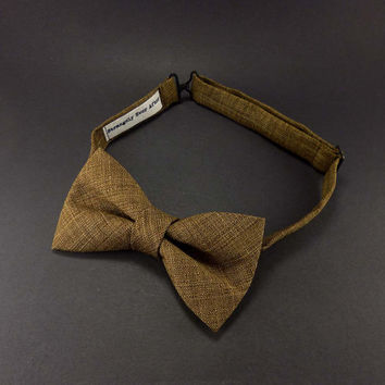 Rich caramel brown mens bow tie – pre tied adjustable – adult pretied bowtie– rustic wedding ties
