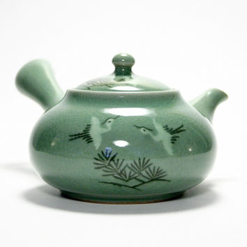 Korean celadon teapot - Pinetree