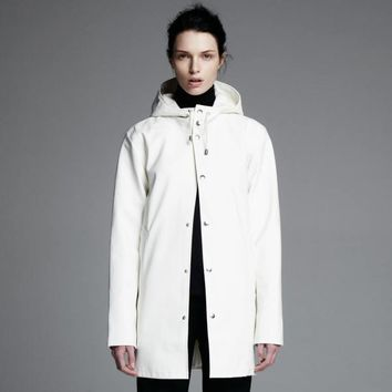 Arholma Vit - White Raincoat – Stutterheim Raincoats