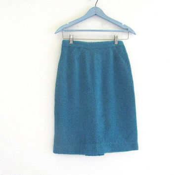 vintage 1960s blue pencil skirt. knee length boucle skirt