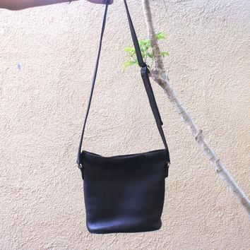 Vintage Black Coach Purse Pebbled Leather Striped Lining Cross Body Bag, Adjustable St
