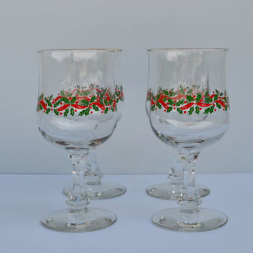 Vintage Christmas Wine Glasses with Holly Berries Design Vintage Christmas Drinking Glasses