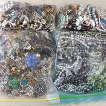 Lot Jewelry 13 LBS, Mostly Vintage, Rhinestones, Brooches, Earrings, Necklaces, Wearable & Harvesting, Destash, Parts, Crafts, Altered Art