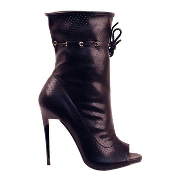FINAL SALE - Perforated Drawstring Booties - Black
