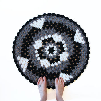 Round Crochet Mandala Rug - One of a Kind Black White and Grey Rug Mat with Scallop Edge