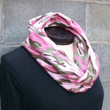 Infinity Circle Eternity Tube Scarf - Pink Camo Camouflage