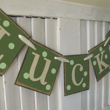 St Patricks Day Banner Lucky Garland Swag Green Bunting St Paddys Sign St Pattys Photo Prop with Polka Dots