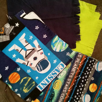 Flannel rag quilt kit Astronaut space planets glow in the dark kids fringed die cut fabric squares batting ready to sew children blankie