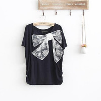 Neckline Lace Bowknot  Batwing Sleeve T-shirt