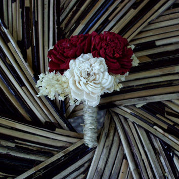 Deep red and cream boutonniere | sola boutonniere | rustic boutonniere | rustic wedding | Fall boutonniere | Fall wedding | Winter wedding