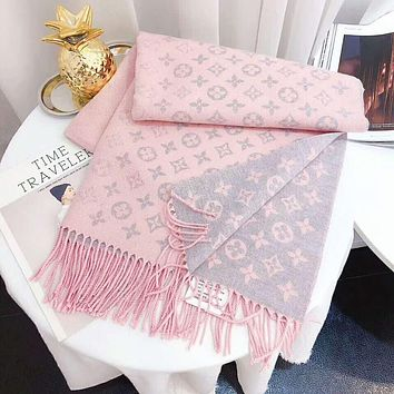 LV Louis Vuitton Autumn And Winter New Fashion Monogram Warm Tassel Scarf Women