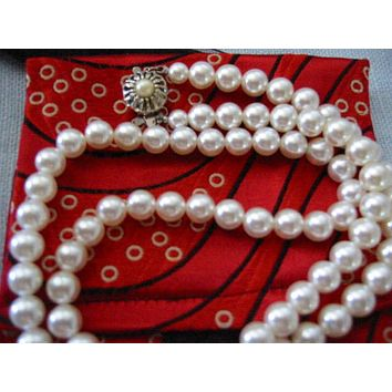 Sarah Coventry Designer Pearls Strand Necklace Silver Clasp