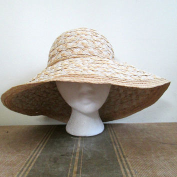 Wide Brimmed Floppy Hat / Vintage Betmar Summer Sunbonnet Woven Straw Ribbon