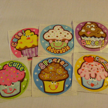 scratch n sniff cup cakes stickers scented cute great for crafting giving collections toys lot of 6 HELP ME HELP others