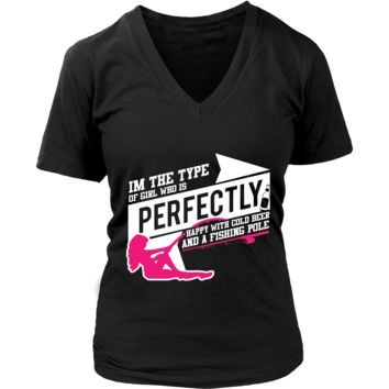 Im Type Of Girl Who Is Perfectly Happy With Cold Beer A Fishing Pole V2 V-Neck/T-Shirt/Crewneck Sweatshirt/Hoodie For Women