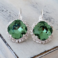 Green crystal drop earrings, Kelly green, drop earrings, Bridesmaids gift, Bridal earrings, Swarovski Dangle earrings, Gold or silver