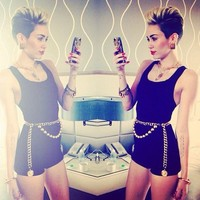 .@mileybrcom | Look de Miley pro Mackapoolooza! O que acharam? | Webstagram - the best Instagram viewer