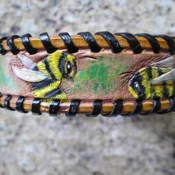 Leather dog collar , bumblebee dog collar , small collar , spaniel collar , corgi collar , kangaroo laced leather collar