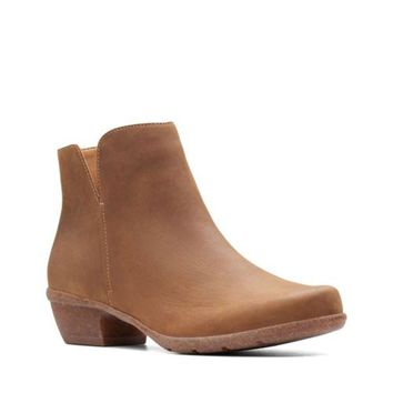 Clarks Wilrose Frost Tan Oiled Leather Ankle Boots