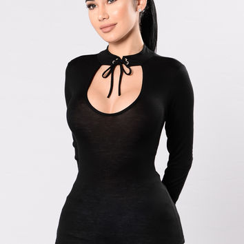 Blushing Beauty Top - Black