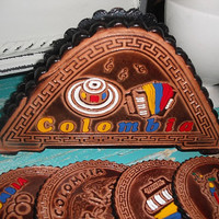 Vintage hand tooled souvenir Leather coaster set COLOMBIA ~~ 6 coaster with stand Travel