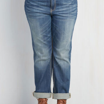 Menswear Inspired Easygoing Expression Jeans in Mid Wash - 14-22