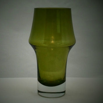 Riihimaki green glass flared vase . Stylish 1960s Finnish design by Riihimäen Lasi Oy glass comany. Vintage Scandinavian glass