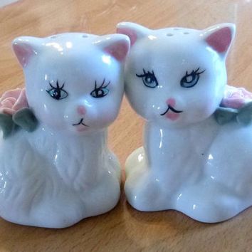 Vintage Porcelain Kitty Cat Salt & Pepper Shakers, Hand Painted Ceramic White Kitties with Pink Roses, Kitschy Kittens Shabby Decor